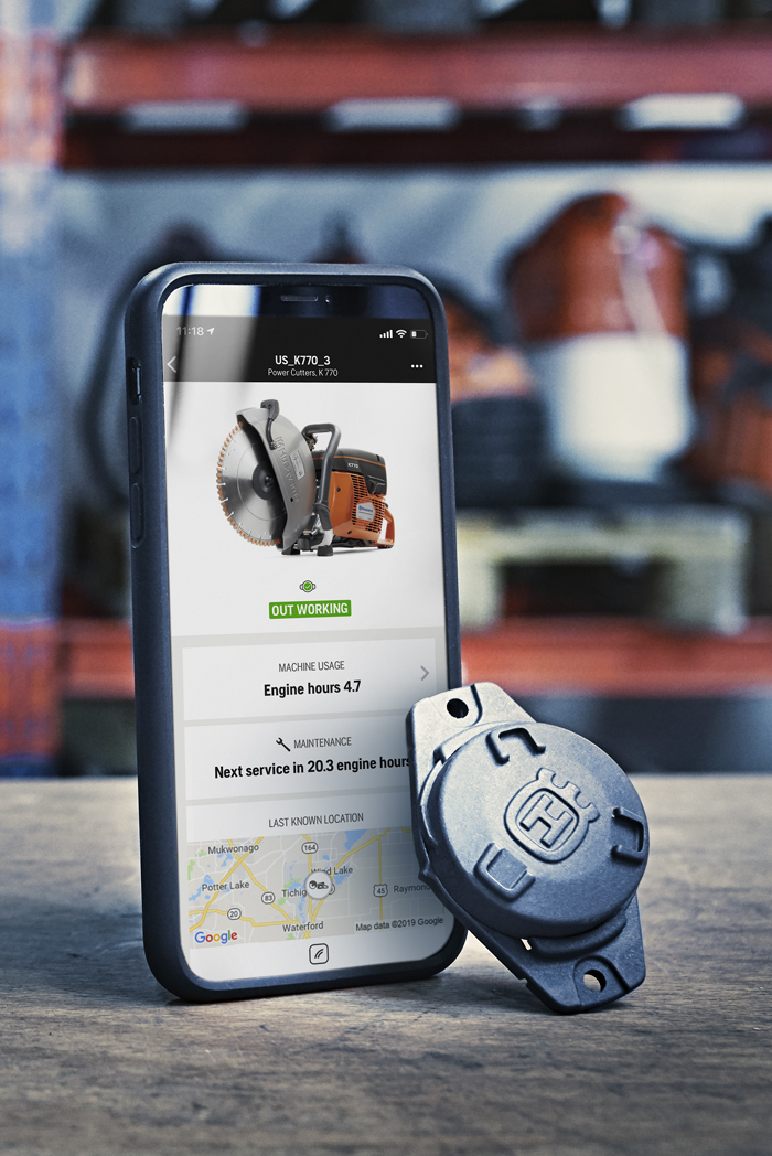 The Husqvarna Fleet Services™ app and machine sensor.