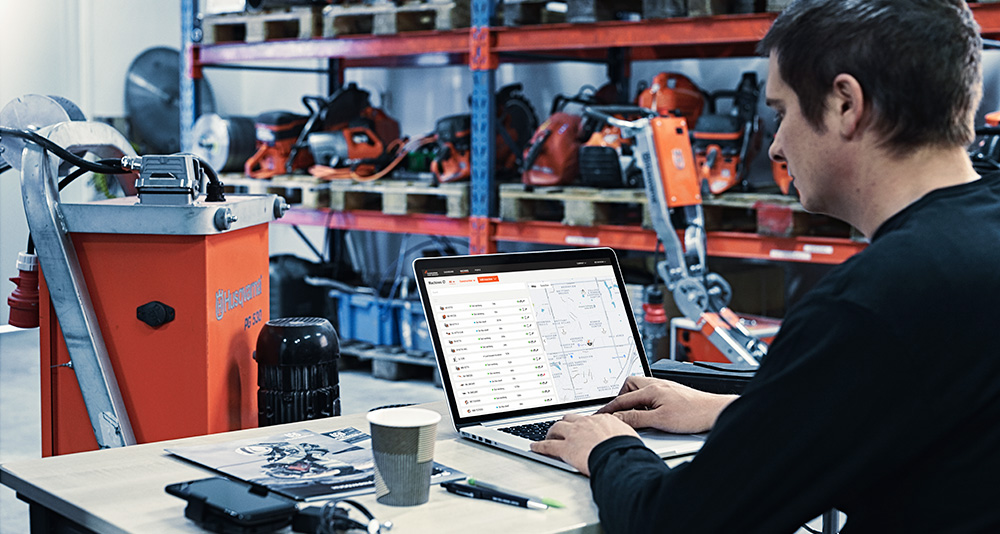The Husqvarna Fleet Services™ system enables you to make better decisions and unleash the full potential of your company's productivity.